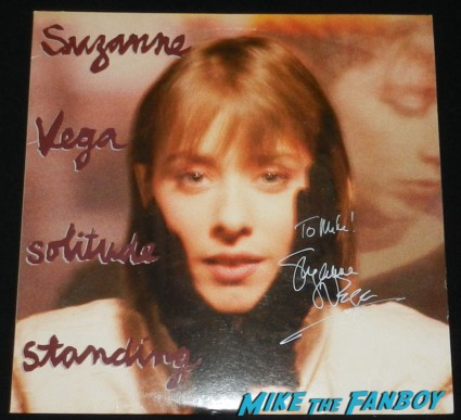 suzanne vega signed solitude standing album lp rare promo suzanne vega signing autographs for mike the fanboy in 2007 signed solitude standing lp vinyl rare promo
