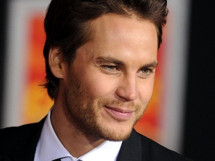 hot sexy friday night lights stat taylor kitsch in a suit and tie at the john carter movie premiere rare promo