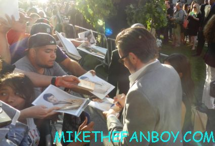sexy joel edgerton signing autographs at the odd life of timothy green world movie premiere in hollywood at the el capitan theatre rare promo jennifer garner joel edgerton