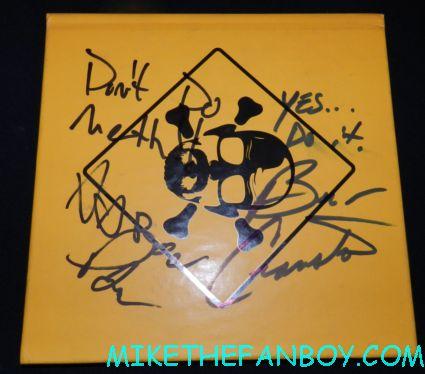 aaron paul and bryan cranston signed autograph breaking bad press kit rare promo book hot rare bryan cranston signing autographs at the total recall world movie premiere hot sexy rare promo