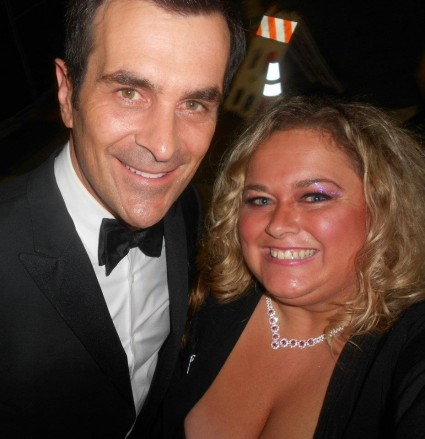 ty burrell posing for a fan photo with pinky at a play opening modern family star signed autograph rare phil dunphy