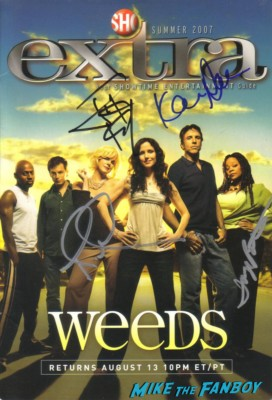 weeds cast signed counter standee poster mary louise parker Mike The Fanboy wih Tonye Patano aka Heylia James from weeds on set in downtown los angeles