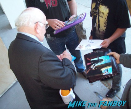 ed asner signing autographs for fans mike the fanboy up dvd  one sheet movie poster rare keep trooping shelley long rare