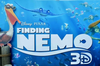 "Premiere Of Disney Pixar's ""Finding Nemo"" Disney Digital 3D - Red Carpet el capitan theatre rare promo albert brooks"