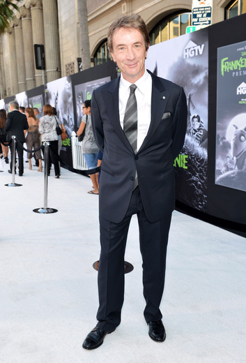 martin short arriving at the Frankenweenie hollywood movie premiere el capitan theater tim burton catherine O'Hara winona ryder rare signing autographs