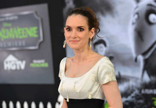 winona ryder arriving at the Frankenweenie hollywood movie premiere el capitan theater tim burton catherine O'Hara winona ryder rare signing autographs