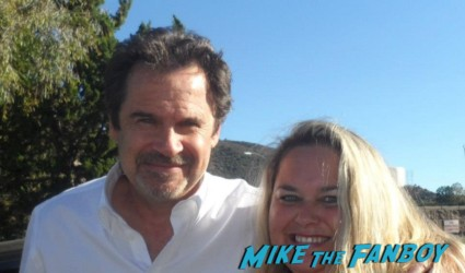 pinky with dennis miller from saturday night live posing for a fan photo rare promo hot funnyman snl weekend update