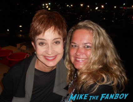 Annie Potts AKA Iona with pinky at the emmys 2012 1980s star pretty in pink designing women