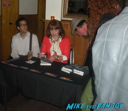 molly ringwald signing autographs for fans at a book signing in san francisco ca rare pretty in pink star breakfast club