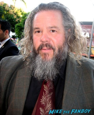 Mark Boone Jr. signs autographs for fans at the sons of anarchy world premiere in westwood rare promo