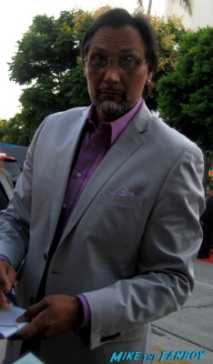 jimmy smits signs autographs for fans at the sons of anarchy world premiere in westwood rare promo