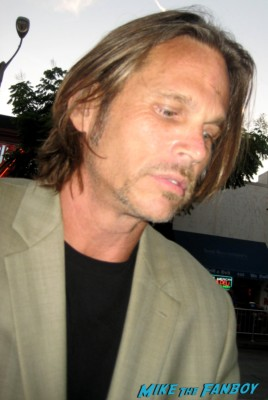 Kenny Johnson signs autographs for fans at the sons of anarchy world premiere in westwood rare promo