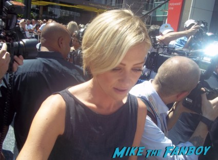 Portia de Rossi signing autographs for fans at Ellen Degeneres walk of fame star ceremony in hollywood hot sexy rare signature