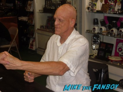 the hills have eyes signed autograph dvd Michael Berryman signing autographs for fans at dark delicacies at the jeepers creepers blu ray dvd signing below zero the hills have eyes