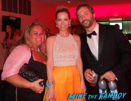 judd apatow and leslie mann posing for a fan photo with pinky from mike the fanboy at the emmy awards 2012 hot sexy mad men star