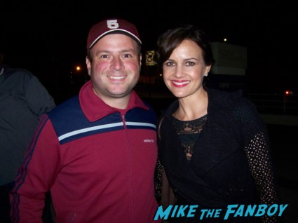 Billy Beer from Mike The Fanboy with sexy Carla Gugino from sucker punch watchmen signing autographs for fans