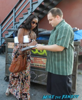 Merrin Dungey signing autographs for fans before a play reading in los angeles francie from alias signed autograph alias complete series rambaldi box set signed promo rare