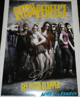 Anna Kendrick signed autograph pitch perfect promo mini movie poster rare sexy hot signing autographs at the end of watch movie premiere jake gylenhall signing autographs 011