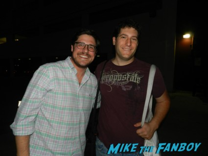 fanboy mike the fanboy with mad men star rich sommer posing for a fan photo signing autographs for fans rare promo rare