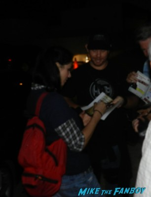 sarah silverman signing autographs for fans fanboy mike mike the fanboy posing with sarah silverman for a fan photo rare promo I'm fucking matt damon
