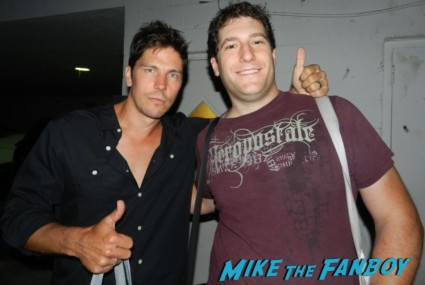fanboy mike the fanboy posing with michael trucco from battlestar galactica signing autographs for fans rare promo hot cylon