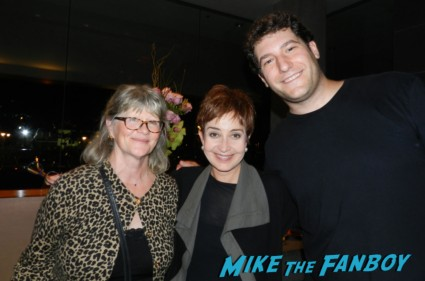 mike the fanboy with designing women star annie potts and judith ivy at a 25th play reading of steel magnolias