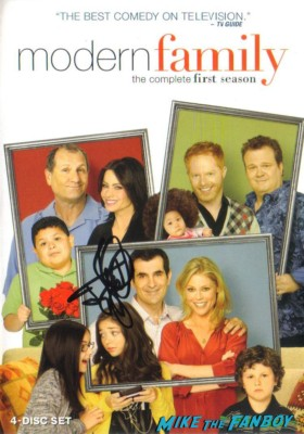 ty burrell signed autograph modern family season 1 dvd set Ty Burrell from modern family signing autographs emmy party rare hot promo butter rare promo poster