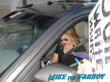 Julia Roberts signing autographs for fans at the valentine's da press junket hot sexy pretty woman steel magnolias star rare
