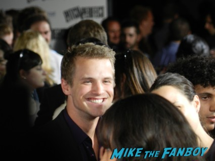 freddie stroma at the Pitch perfect world movie premiere red carpet with anna kendrick and brittany snow rare promo rebel wilson