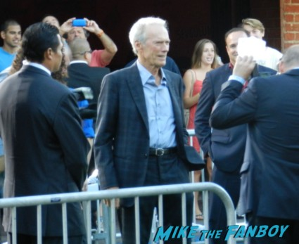 clint eastwood arriving at the trouble with the curve movie premiere red carpet Trouble With The Curve Movie Premiere! Meeting Sexyback Singer Justin Timberlake! With Amy Adams! Clint Eastwood! John Goodman! Matthew Lillard! Autographs! Photos! And More!