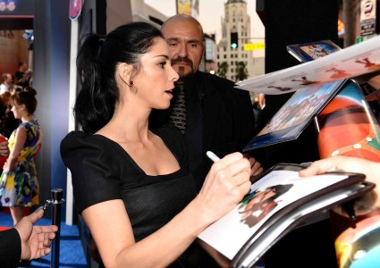 "sarah silverman signs autographs for fans at the Premiere Of Walt Disney Animation Studios' ""Wreck-It Ralph"" - Red Carpet"