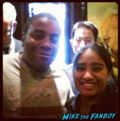 keenan thompson from SNL  posing for a fan photo with elisa from the big apple from mike the fanboy in new york rare promo