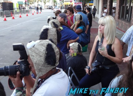 seven psychopaths movie premiere red carpet signing autographs colin farrell hot sexy rare promo