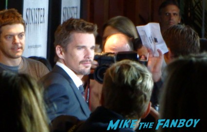 ethan hawke signing autographs for fans Sinister movie premiere at the landmark regent theater ethan hawke rare promo signing autographs for fans