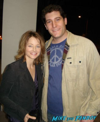Mike the fanboy with jodie foster posing for a fan photo rare promo hot silence of the lambs little man tate