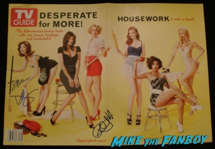dana delany felicity huffman signed autograph tv guide cover desperate housewives rare promo hot