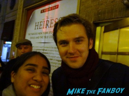 Dan Stevens posing with Elisa from the big apple from Mike The Fanboy posing for a fan photo signing autographs rare