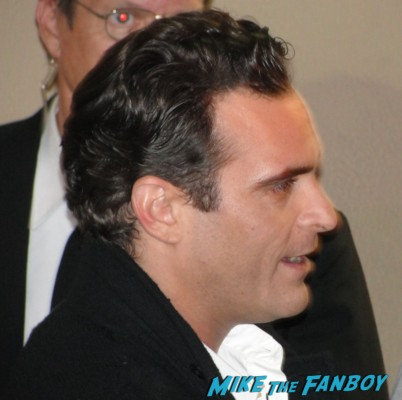 Joaquin Phoenix signing autographs for fans while promoting his new film the master hot sexy gladiator star promo rare