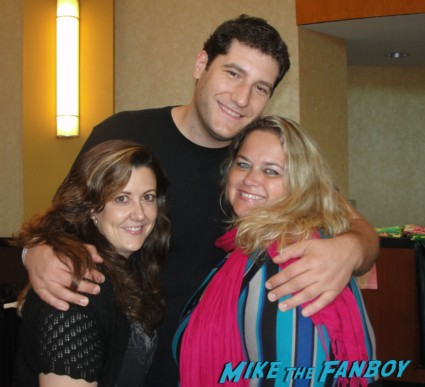 mike the fanboy with  suddenly susan and pinky hanging out at the hollywood collector's show in Burbank hot fangirls