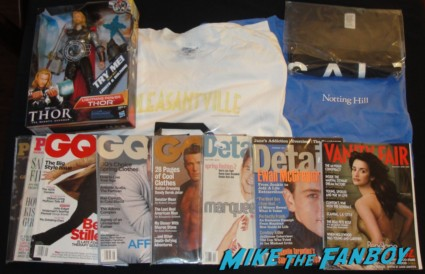 movie promo crap and swag from the burbank hollywood collector's show magazines shirts a talking Thor action figure and more!