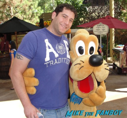 Mike The Fanboy at california Adventure with pluto dressed like a vampire at disney's halloween haunt