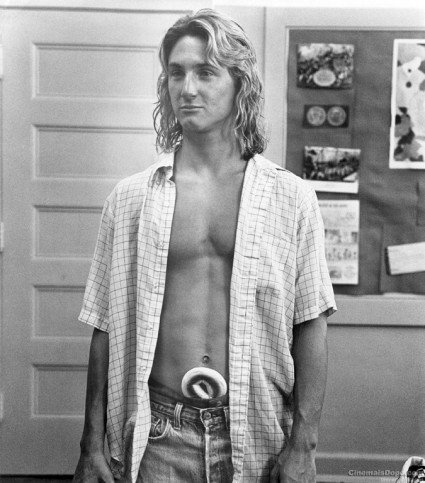 Fast Times At Ridgemont High Sean Penn Spicoli rare shirtless hawaiian interview scene rare hot sexy surfer dude press promo still