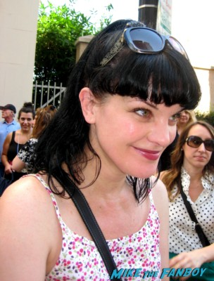 sexy pauley perrette signing autographs for fans at mark harmons walk of fame star ceremony in hollywood hocus pocus star