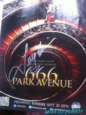 666 park avenue signed autograph promo poster terry o'quinn hot sexy new abc series Terry O'Quinn lost alias star signing autographs for fans 666 park avenue rare john locke hot promo abc series