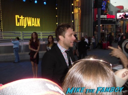 chris hardwick signing autographs for fans at the walking dead season 3 premiere at universal citywalk andrew lincoln rare promo hot