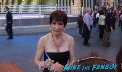 gale anne hurd signing autographs for fans at the walking dead season 3 premiere at universal citywalk andrew lincoln rare promo hot