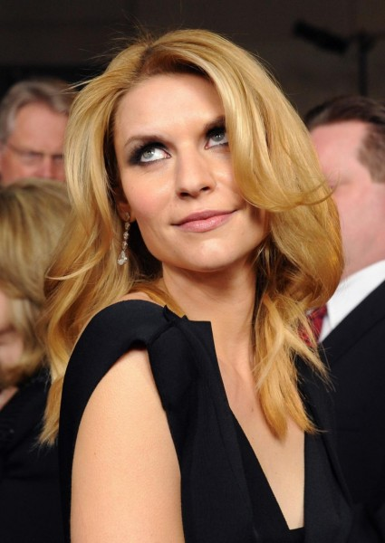 claire danes rolls her eyes when fans ask her for a photo homeland sexy star the famiy stone rare promo