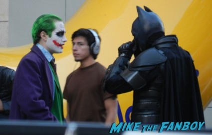 batman talking with the joker at the cloud atlas movie premiere cloud atlas movie premiere rare tom hanks halle berry jim broadbent dissing fans rare promo red carpet