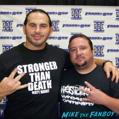 Matt hardy posing with travis for a rare fan photo matt hardy signed autograph hot sexy rare promo wrestler mtv promo photo shoot hot wrestler