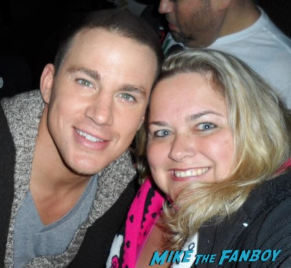 Channing Tatum how sexy people's sexiest man alive posing for a fan photo with pinky hot sexy magic mike star